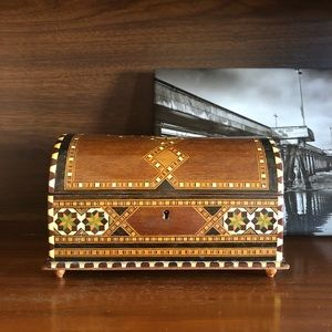 Vintage Wood Inlay Box Footed with Hinged Lid